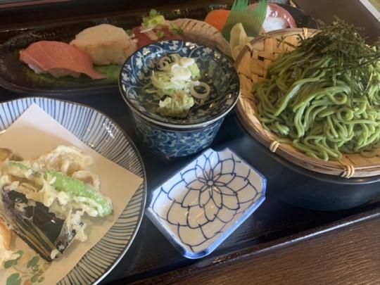 寿司と茶そばのセット1,200円