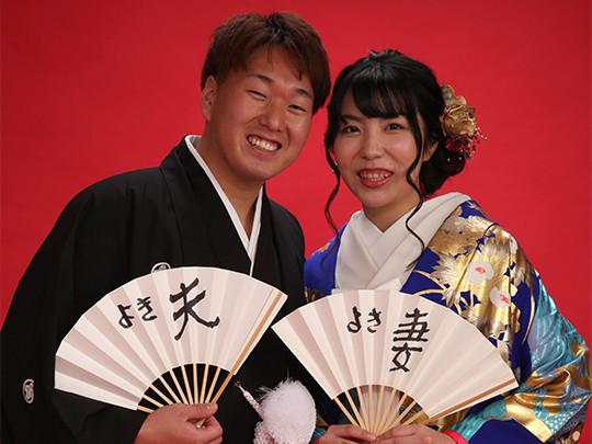 日本伝統の神前結婚式を挙げる方が増えています。 格式ある古の時代からの衣裳も自分流にアレンジして楽しんで!