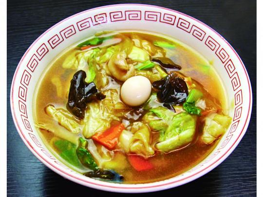 広東麺 800円 とろみをつけた甘めの餡と中細麺がよく絡みアツアツをキープ。